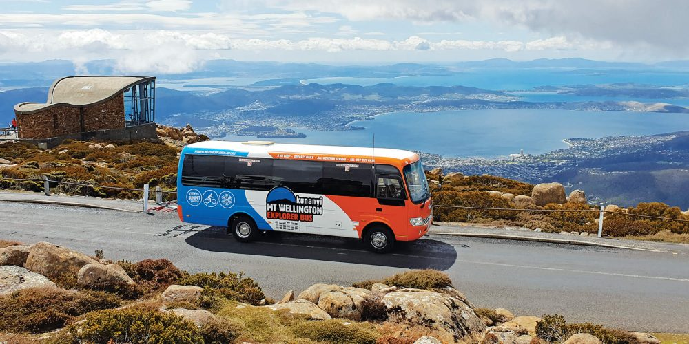 The Pinnacle Observation Shelter, kunanyi/Mt Wellington. Hop-on, Hop-off Hobart. City to summit shuttle bus. kunanyi/Mt Wellington tour.